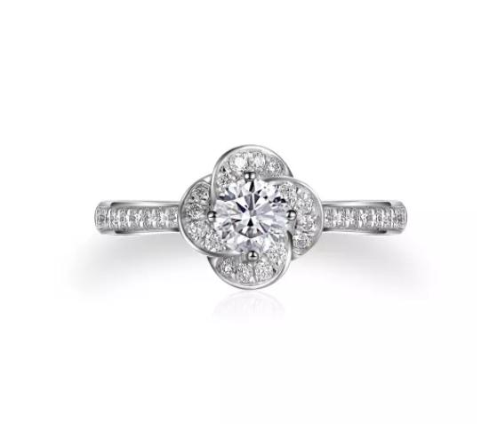 Bague de fiançailles solitaire avec diamant
